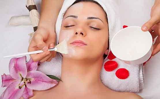 Cosmetología. Duración 10 meses